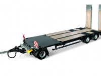 Koegel_Flatbed_turntable_trailer_3_axle_BG_front.jpg